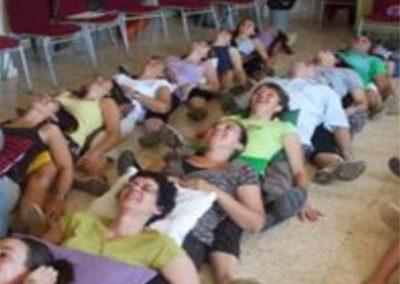001 yoga de la risa alejandro smalinsky galeria