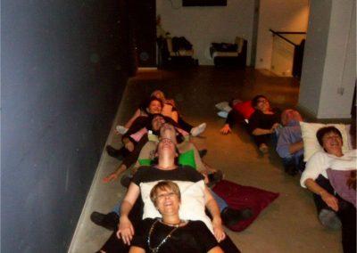 004 yoga de la risa alejandro smalinsky galeria