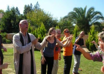 017 yoga de la risa alejandro smalinsky galeria
